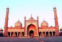 shalat di masjid bekas kuburan