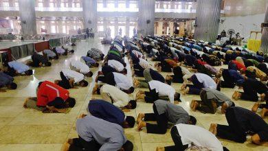 hukum shalat jumat tidak di masjid